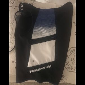 Quicksilver board shorts with zipper pocket 10S